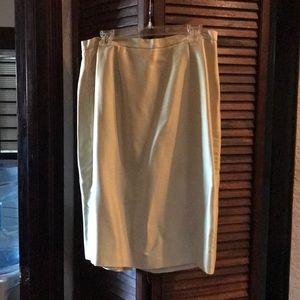 Josephine Chaus Collection 100% silk skirt